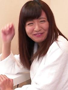 Yui Shimazaki - Young Asian Yui Shimazaki toy ucked on cam - Screenshot 1
