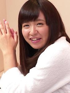 Yui Shimazaki - Young Asian Yui Shimazaki toy ucked on cam - Screenshot 7