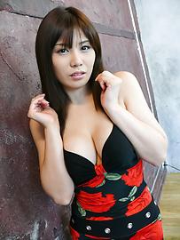 Karen Natsuhara - Karen Natsuhara gives an asian blow job before she's fucked - Picture 6