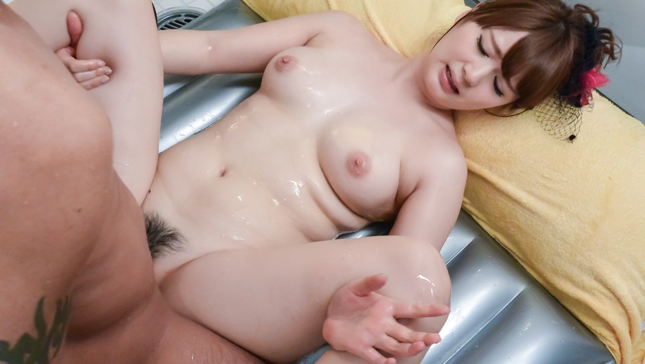 Yui Nishikawa passionate porn in the bathroom