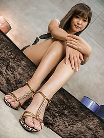 Momoka Rin - Momoka Rin給亞洲口交和性交兩人 - 圖片1