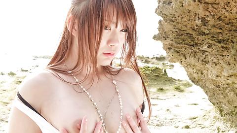 Mayuka Akimoto - Mayuka Akimoto cums hard from an asian brutal dildo fucking - Picture 3