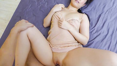 Sakura Ooba - Curvy Sakura Ooba rides cock after a japanese blowjob - Picture 3