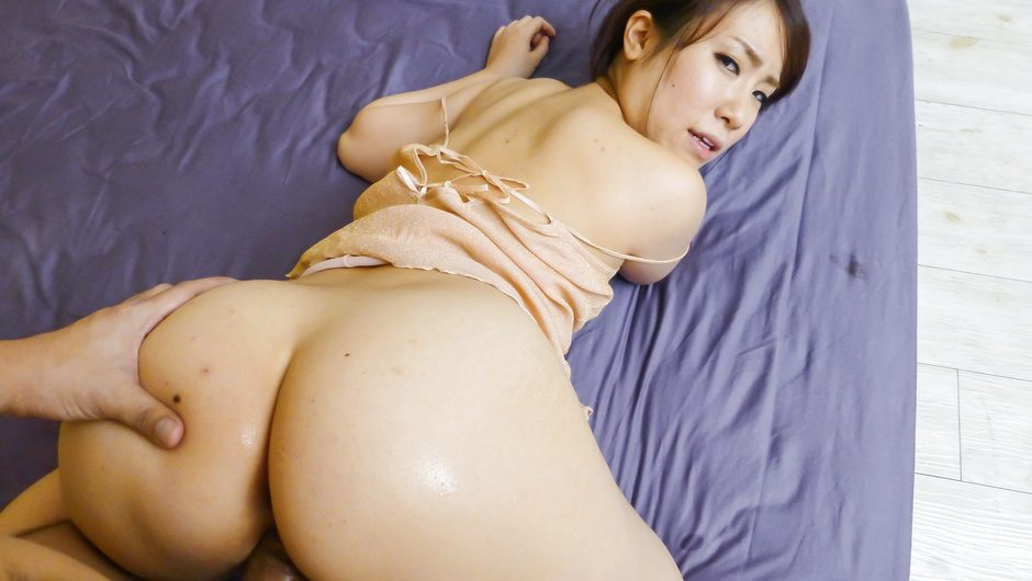 Curvy Sakura Ooba rides cock after a japanese blowjob