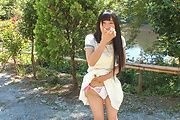Japanese outdoor posing with young Yui Kasugano Photo 11
