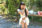 Japanese outdoor posing with young Yui Kasugano Photo 12