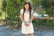 Japanese outdoor posing with young Yui Kasugano Photo 2