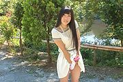 Japanese outdoor posing with young Yui Kasugano Photo 4