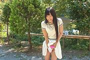 Japanese outdoor posing with young Yui Kasugano Photo 5