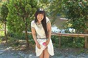 Japanese outdoor posing with young Yui Kasugano Photo 6