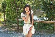 Japanese outdoor posing with young Yui Kasugano Photo 7