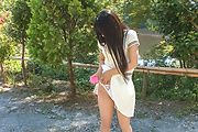 Japanese outdoor posing with young Yui Kasugano Photo 8