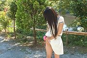 Japanese outdoor posing with young Yui Kasugano Photo 9