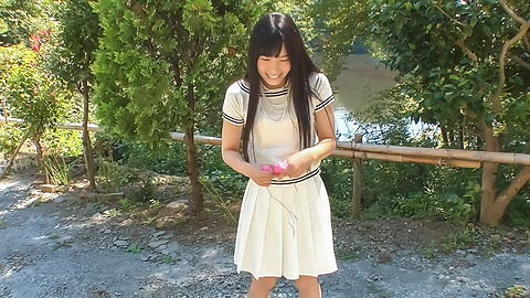 Yui Kasugano - Yui Kasugano Japanese street sexy posing - Picture 3