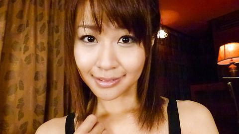 Maika(まいか) - グループフェラ。Maikaに連続口内射精! - Picture 3