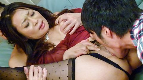 Rei Kitajima - Busty milf fucked by two guys and made to swallow - Picture 11