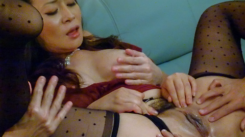 Rei Kitajima - Busty milf fucked by two guys and made to swallow - Picture 8