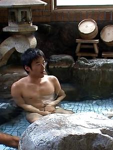 Hitomi Oki - Naked Jacuzzi threesome with naughty Hitomi Oki - Screenshot 3