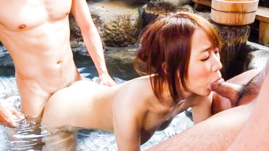 Naked Jacuzzi threesome with naughty Hitomi Oki