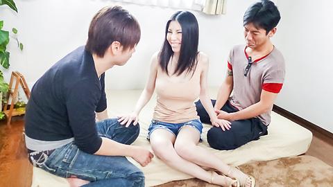 Sofia Takigawa - Japanese creampie threesome withSofia Takigawa - Picture 2
