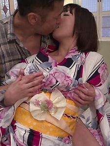 Wakaba Onoue - Wakaba Onoue amazes with her warm Japanese blow job - Screenshot 6