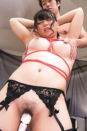 Makoto Shiraishi - 拘束ゴムまり娘のWフェラ~白石真琴 - Picture 10