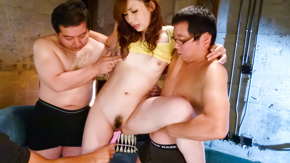 Mami Yuuki enjoying warm stimulation over her hairy pussy