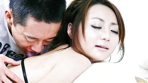 Yuu Shiraishi - สาวเอเชียระยำลึกและ creampied ลูกยู ชิราอิชิ -  3 รูปภาพ