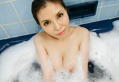 Big tits beauty shows off her amazing solo skills
