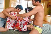 Sexy Japanese threesome along Yuna Shiratori Photo 8