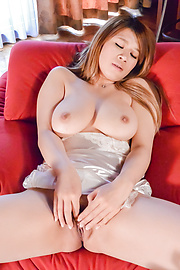 Suzuna Komiya - Japanese milf shows off in sexy webcam solo  - Picture 8