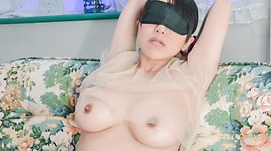 Big tits hottie receives oral stimulation on cam