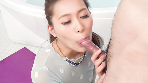 Aoi Mizuno - Gorgeous Asian blow job by insolent Aoi Mizuno - Picture 2