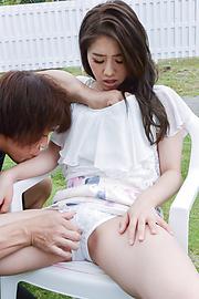 Kana Miyashita - Outdoor Asian blowjobs along Kana Miyashita - Picture 7