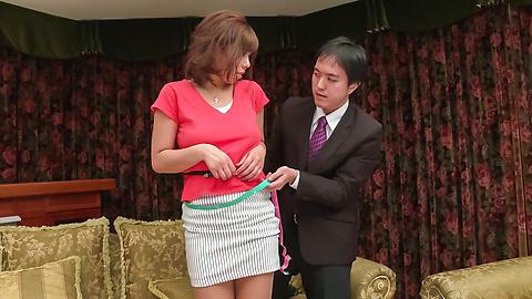 Sara Saijo - 弯曲的屁股萨拉条头脑吹的场面亚洲吹动工作 - 图片 2