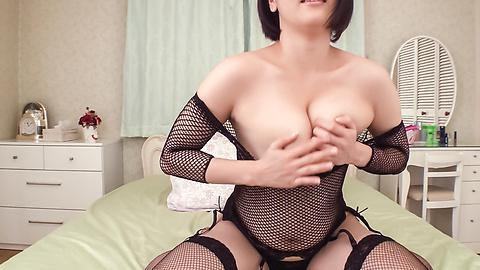 成宮はるあ - 爆乳生ハメAV成宮はるあ~挑発オナニー - Picture 4