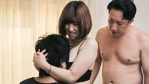 Honoka Orihara - Japanese gangbang creampie with Honoka Orihara - Picture 3