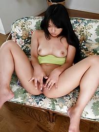 Eririka Katagiri - 年輕的Eririka Katagiri刺激她的陰戶獨奏 - 圖片7