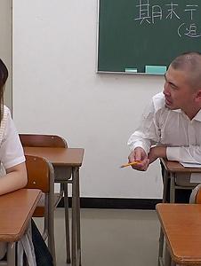Mahoro Yoshino - Mahoro Yoshino fucked by two guys in school XXX - Screenshot 1