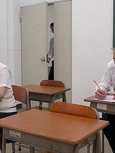 Mahoro Yoshino - Mahoro Yoshino fucked by two guys in school XXX - Screenshot 3