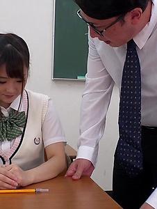 Mahoro Yoshino - Mahoro Yoshino fucked by two guys in school XXX - Screenshot 8