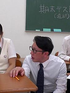 Mahoro Yoshino - Mahoro Yoshino fucked by two guys in school XXX - Screenshot 9