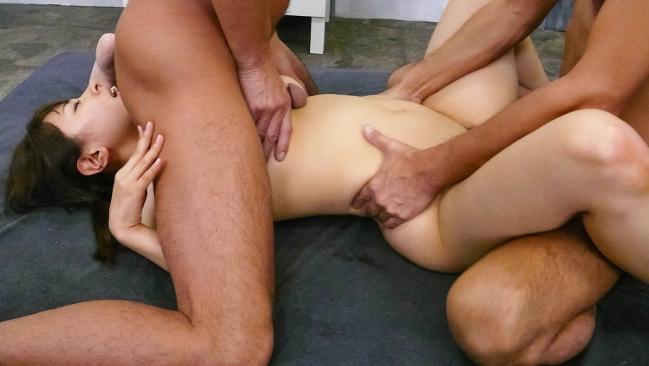 A japanese blow job earns her a deep drilling