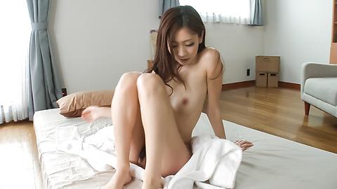 Kaori Maeda - สมัครเล่นแห่งเอเชีย Babe เล่นกับหีในไหมเดี่ยวเซ็กซี่ -  3 รูปภาพ