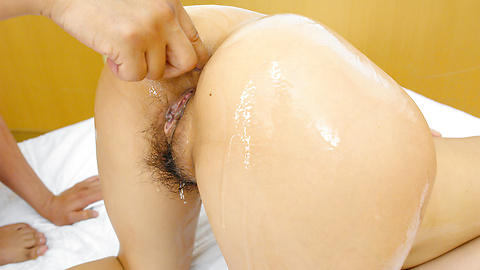 Maki Takei - Superb Japan blowjob during Maki Takei's hardcore show - Picture 12
