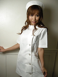 Yurika Momose - Experienced nurse Yurika Momose does a good job on the cock - Picture 1