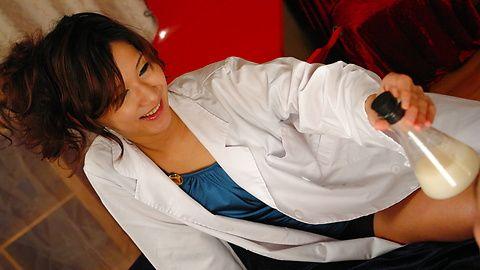一只公鸡去角质护士杨思敏吉川