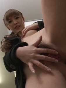 Rin Momoka - Asian blow job in public with Rin Momoka  - Screenshot 7