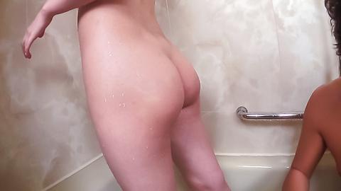 Ran Minami - Shower goes nasty for amateurRan Minami - Picture 6