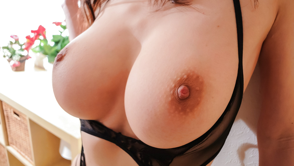 Big tits beauty amazes in hardcore action